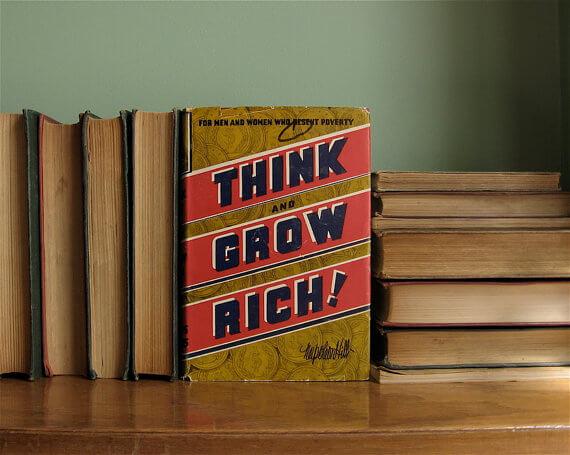بیندیشید و ثروتمند شوید ۶ راز ثروتمند شدن از کتابی ۸۲ ساله!