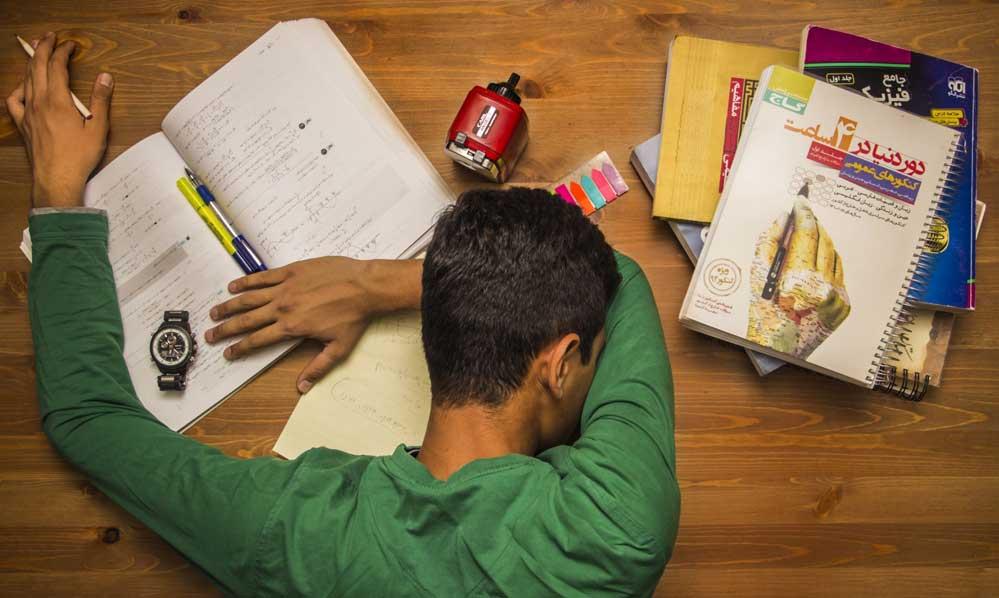 چطور شب امتحانی درس بخوانیم